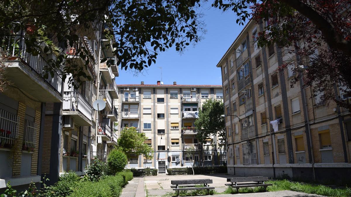 Viviendas del barrio Balsas del Ebro Viejo de Zaragoza, donde el ayuntamiento quiere acometer el proyecto integral de regeneración urbana con ayuda de fondos europeos.