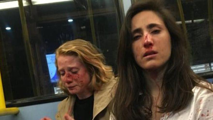 Cinc detinguts per l'atac homòfob a una parella de dones a Londres