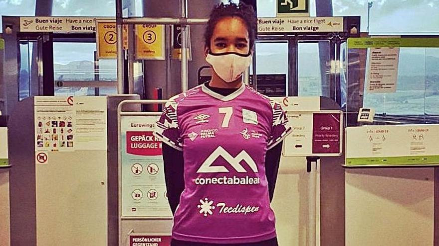 Paz Okeke, a la concentración de España sub-15 de voleibol