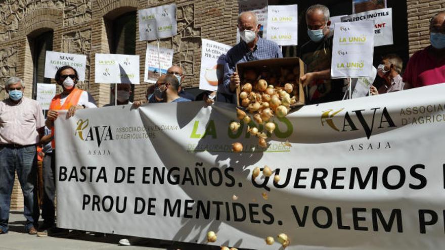 Protesta agraria contra el «maltrato» al campo