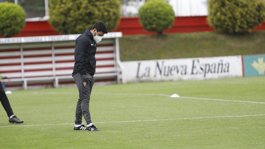 """Gallego, entrenador del Sporting: """"Nos enfrentamos al equipo más en forma de la categoría"""""""