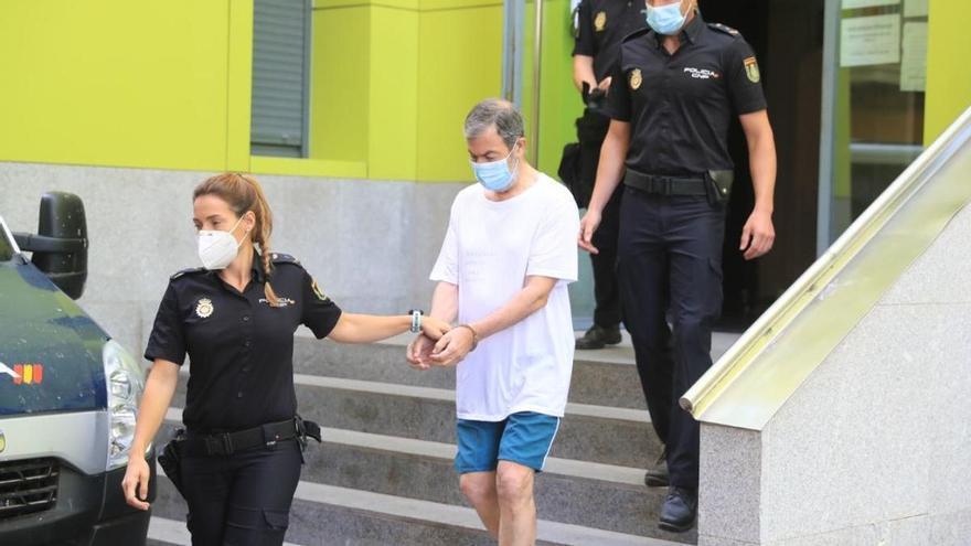 El acusado de asesinar a su mujer a martillazos denuncia que ella murió al ser desconectada por los médicos