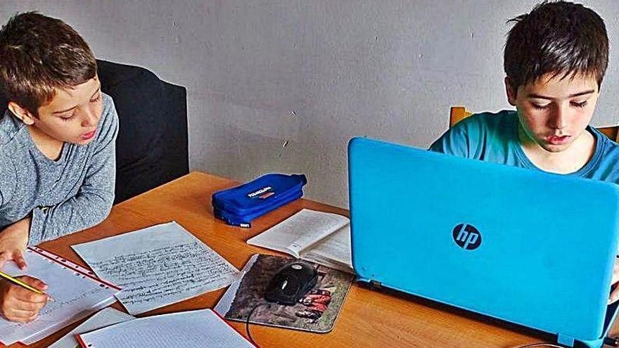 Els experts donen consells per mantenir la motivació per continuar estudiant a casa