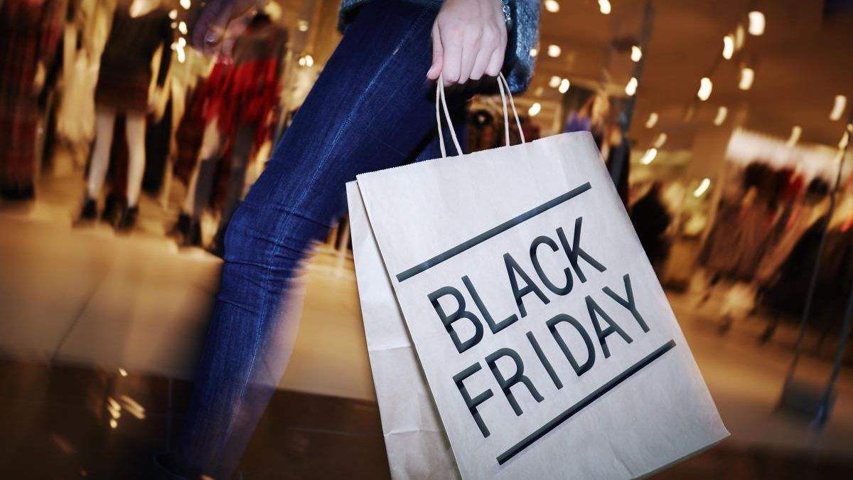 Black Friday, the great commercial event, before Christmas.