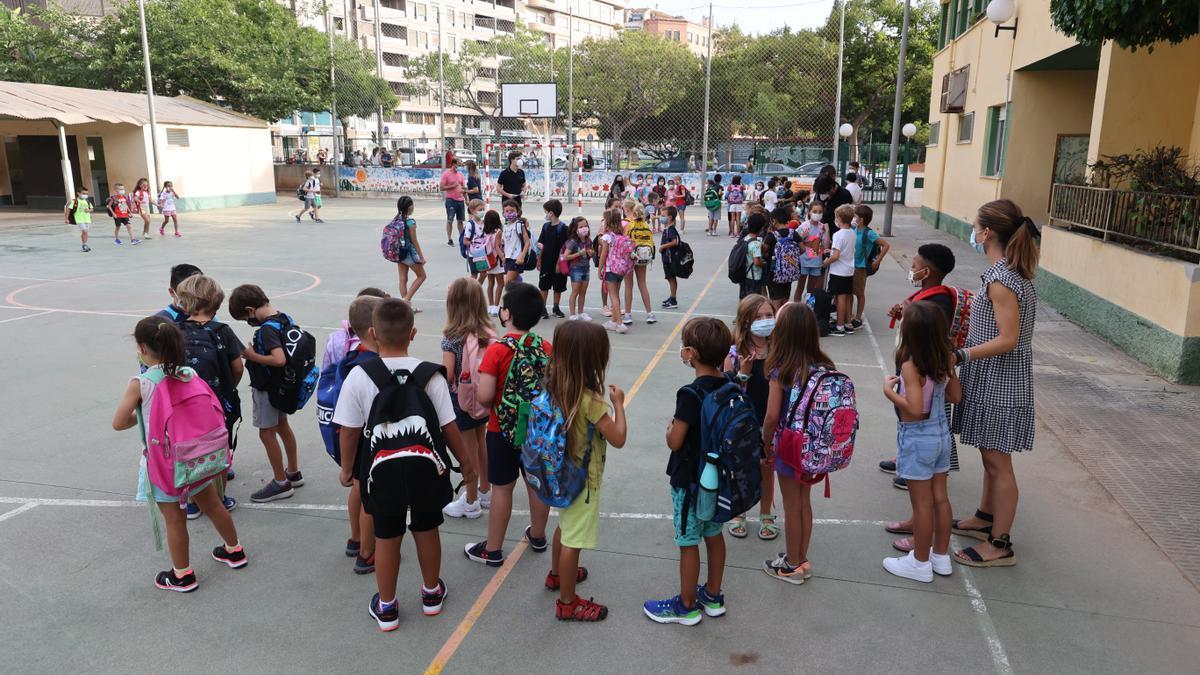Inicio de curso escolar en Castelló, ayer en el CEIP Censal.