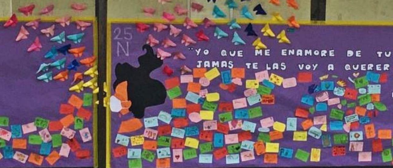 El mural ha sido elaborado con mensajes que muestran el rechazo a la violencia.