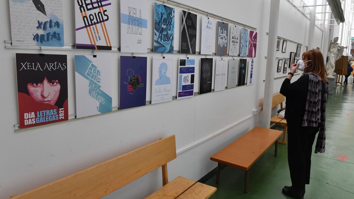 Exposición en una escuela superior de arte en A Coruña.