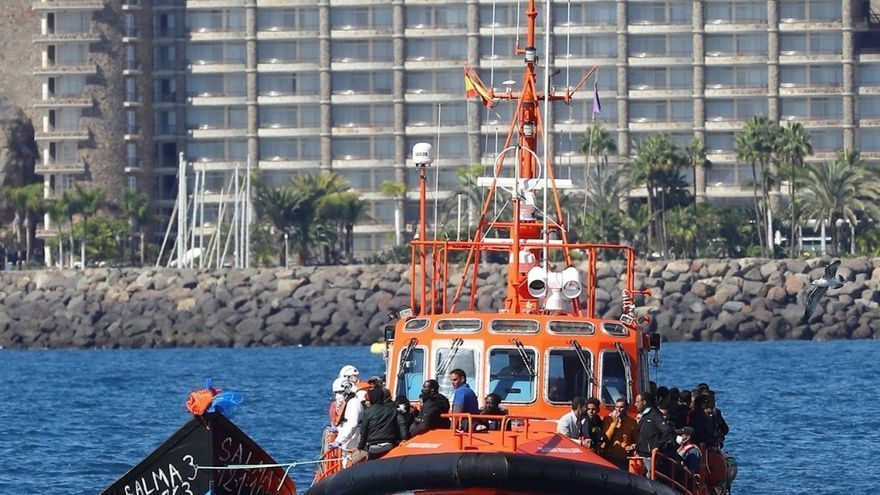 Salvamento rescata en Gran Canaria a 29 inmigrantes