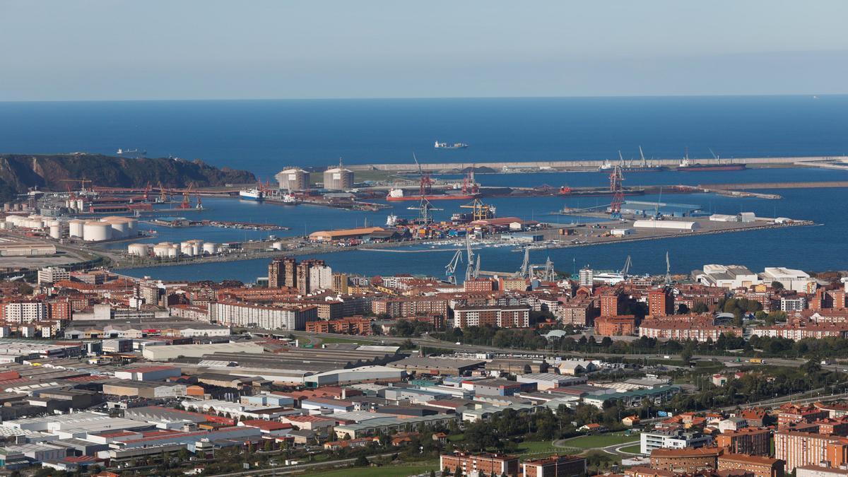 Vista general del puerto de El Musel.