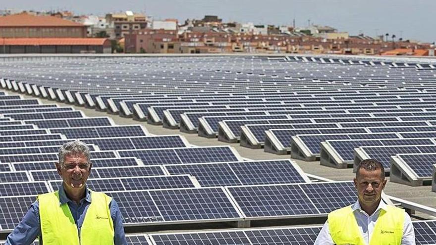 HiperDino inaugura una de las mayores fotovoltaicas canarias