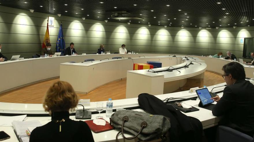 Gobierno y agentes sociales se dan más tiempo para pactar la prórroga de ERTE
