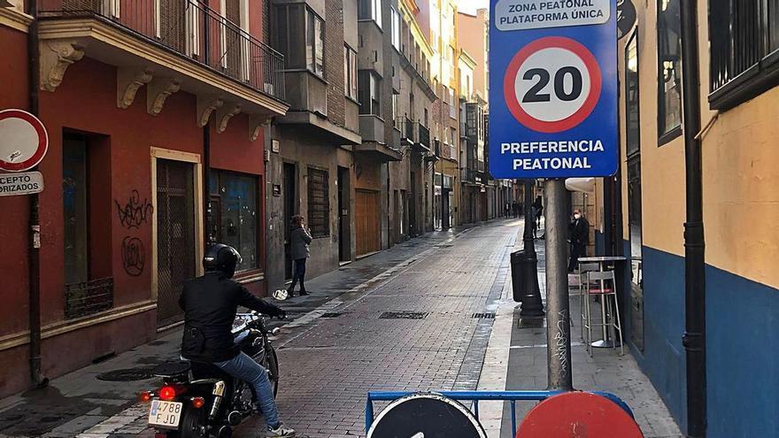 """La avenida de Portugal de Zamora: """"¡Bajen la velocidad!"""""""