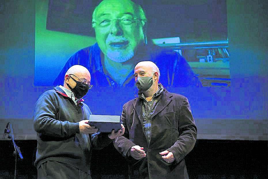 Enric Roca va rebre el premi Plácido de Manuel Quinto