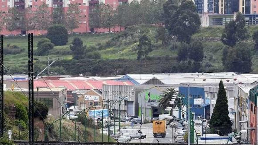 Ayuntamiento y empresarios de Pocomaco avanzan en la cesión de los viales del polígono