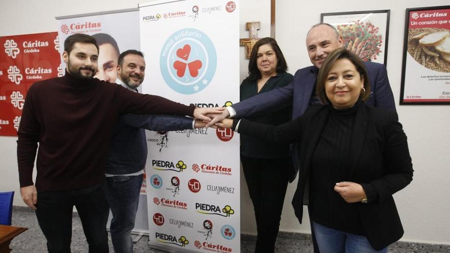 Kisco García, Celia Jiménez, Yo Canto y Piedra se alían con Cáritas para alegrar la Navidad a 80 personas sin hogar