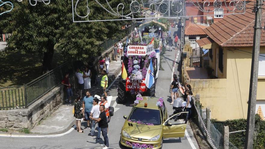 Fiestas de San Campio | Las carrozas toman el San Campio de Valadares