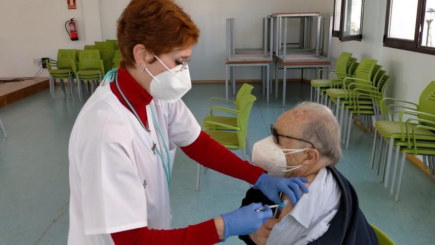 L'Eliana comienza a vacunar a los vecinos y vecinas de 87 años