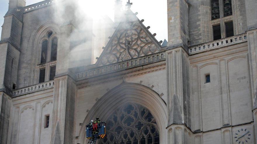 El incendio en la catedral de Nantes podría haber sido provocado
