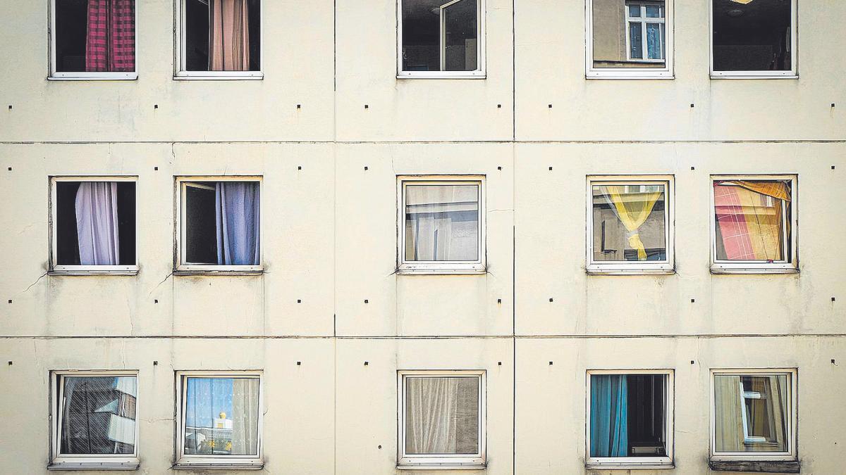Dues finestres i una paraula