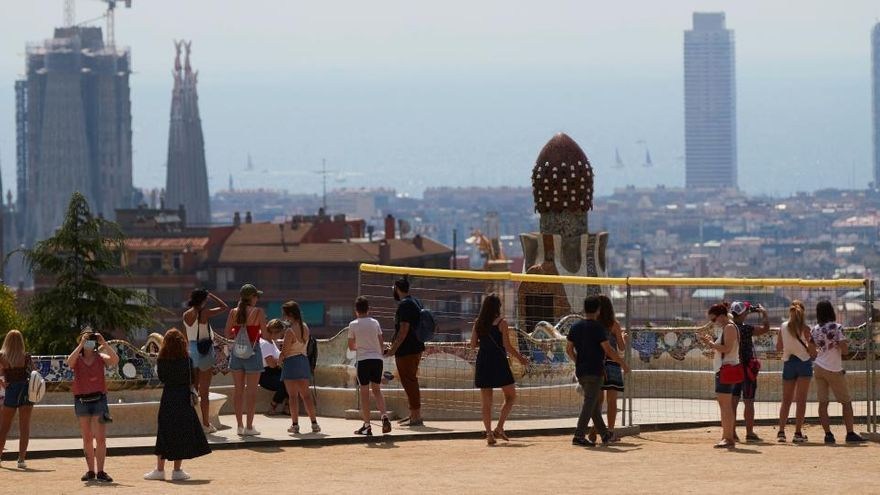 Alcaldes metropolitans critiquen les mesures «incoherents» de la Generalitat