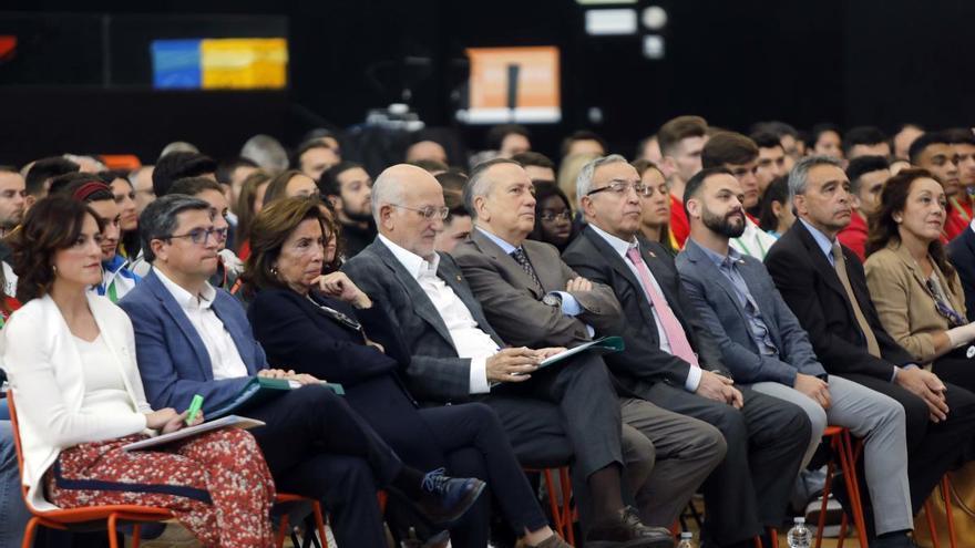 Juan Roig dobla la inversión en el Proyecto FER para motivar a los deportistas ante la covid-19