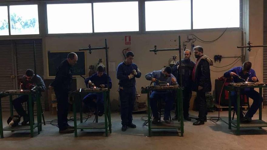 La globalización de la enseñanza emplea a 5 alumnos valgueses en una fábrica alemana