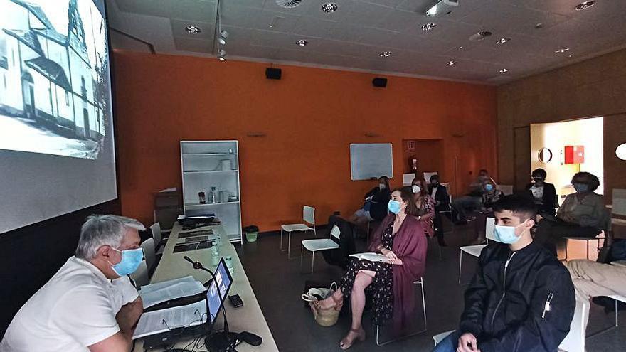 Pravia se convierte en un aula de la Universidad de Oviedo