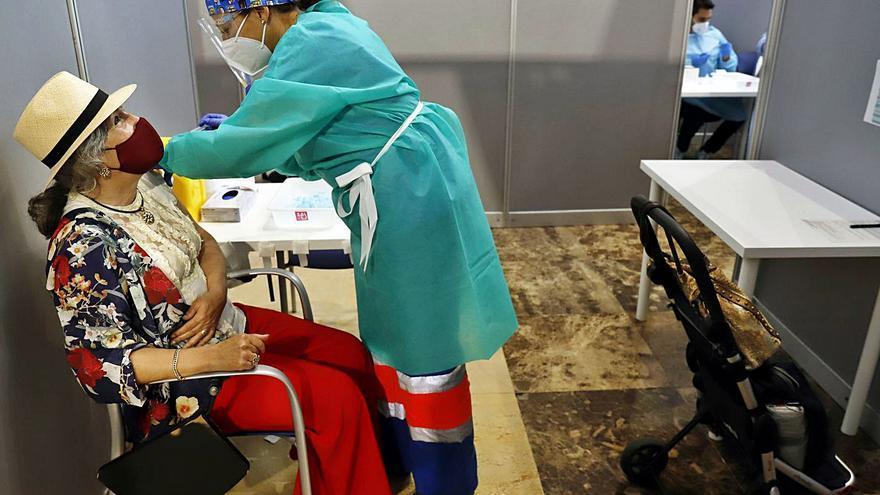 La Junta pondrá una segunda dosis a los 50.000 vacunados con Janssen en Málaga
