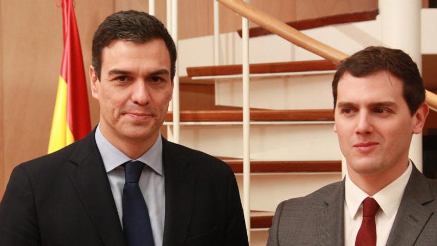 Sánchez garanteix per escrit a Rivera que «no vacil·larà» en aplicar el 155 si cal