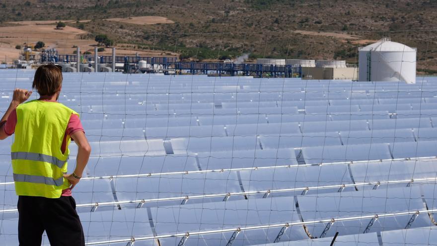 La construcción de las dos plantas solares de Petrer comenzará en junio
