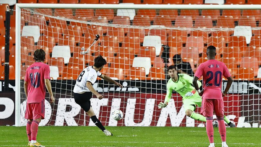 El Valencia tumba al Madrid desde los once metros