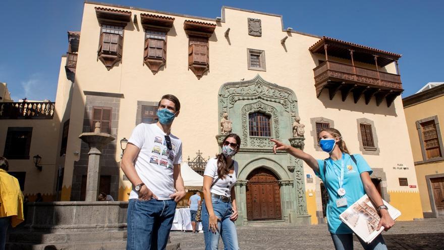 La llegada de turistas internacionales cae en Canarias un 60,4% hasta julio