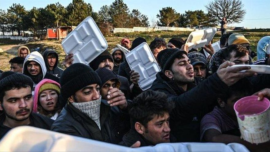 """En la frontera grecoturca: """"Nos pegan, nos roban y nos devuelven al agua"""""""