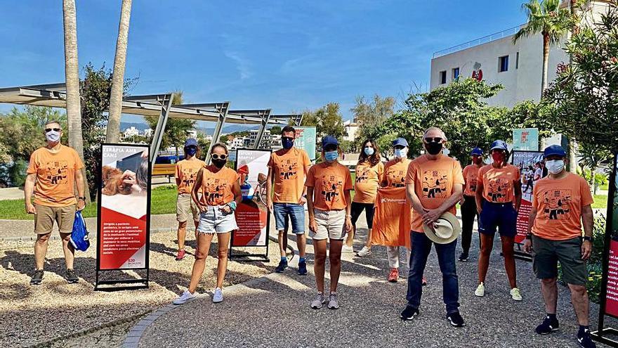 Más de 650 personas participan en la caminata solidaria Magic Line