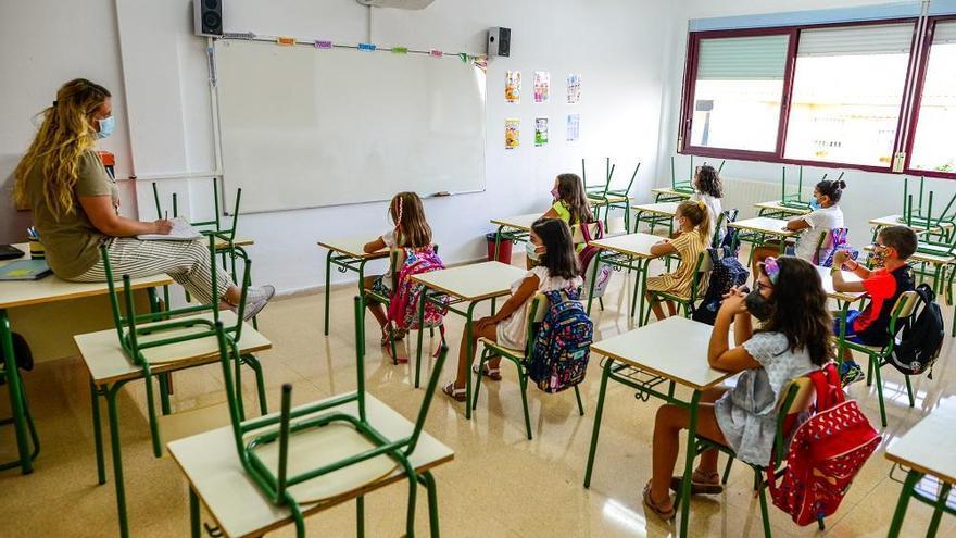 28 colegios con casos de coronavirus suman otros 220 alumnos en aislamiento