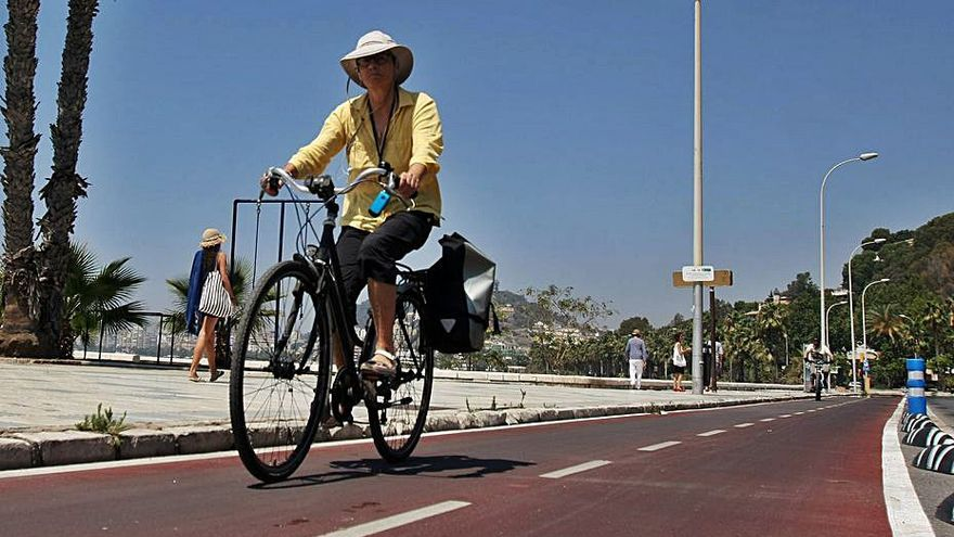 El alcalde de Málaga negocia con la Junta dos carriles bici más