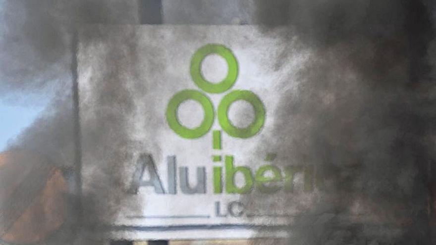 Trabajo investiga si el despido colectivo de las limpiadoras de Alu Ibérica es fraudulento