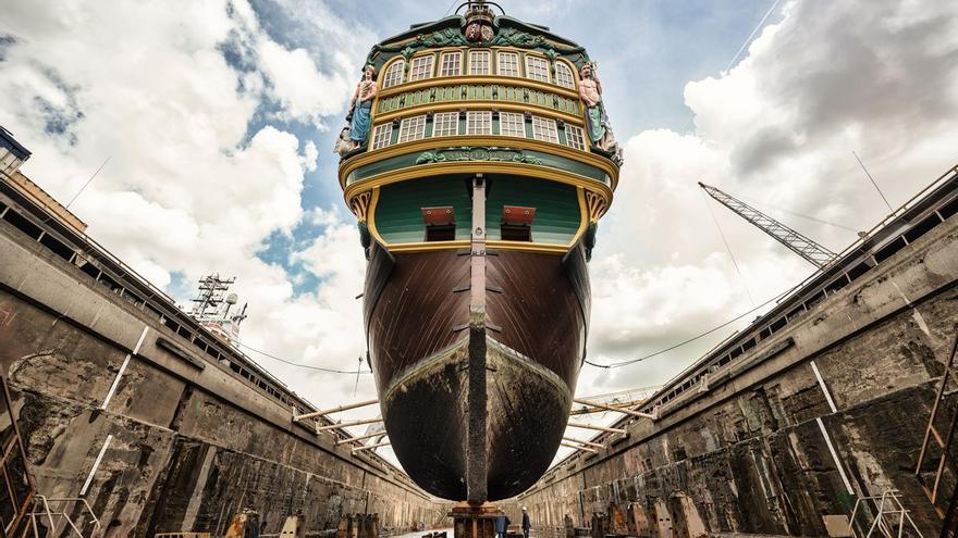 Competencia elude investigar los rescates al naval holandés y alemán