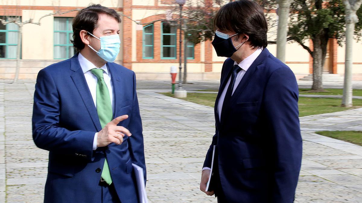 Fernández Mañueco, minutos antes de su comparecencia ayer en Valladolid.