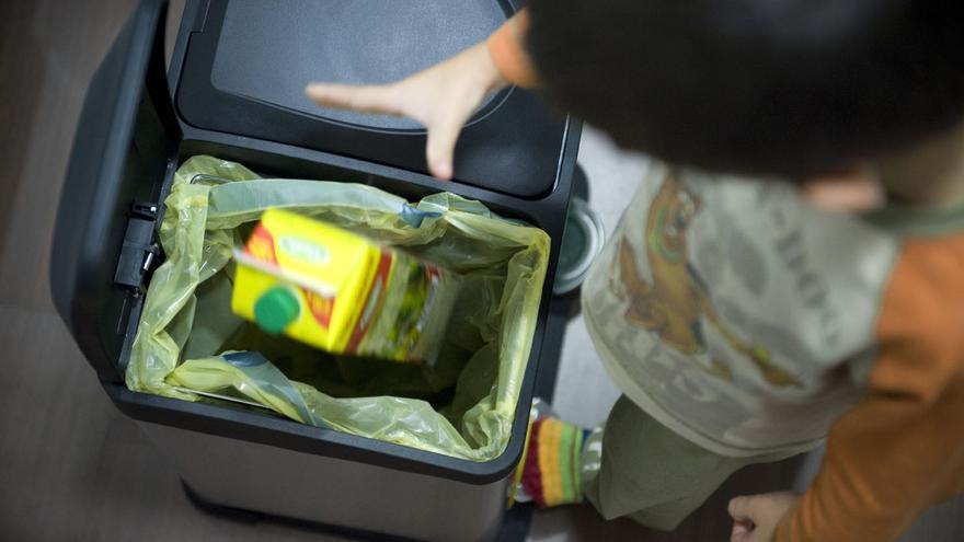 Ocho de cada diez murcianos afirman reciclar en casa los envases del contenedor amarillo