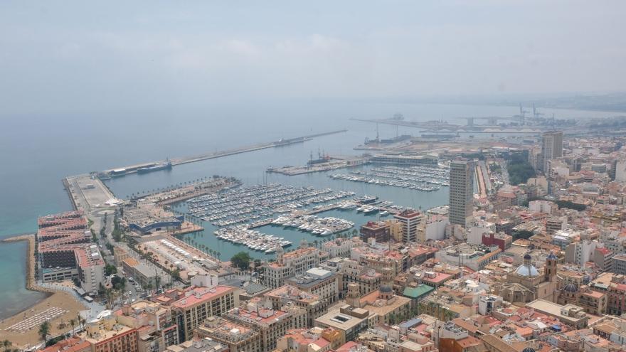 Alicante aprueba ayudas para garantizar el suministro eléctrico a consumidores en riesgo de exclusión