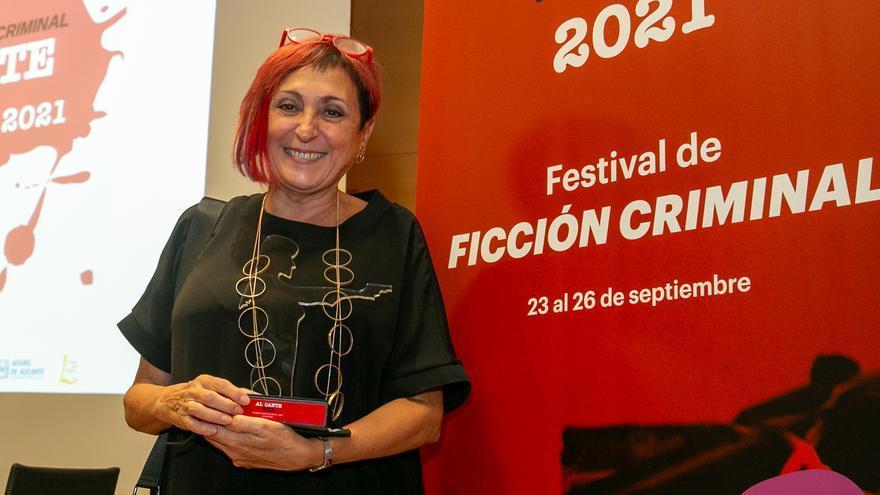 Elia Barceló gana el Premio Costa Blanca de Alicante Noir
