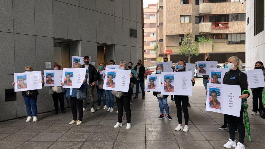 Los acusados del crimen de Iván Castro en La Felguera, hoy, en la Audiencia