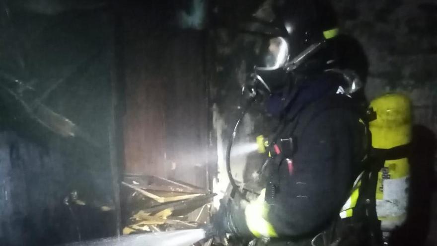 Incendio en una vivienda de Escaleritas sin personas afectadas
