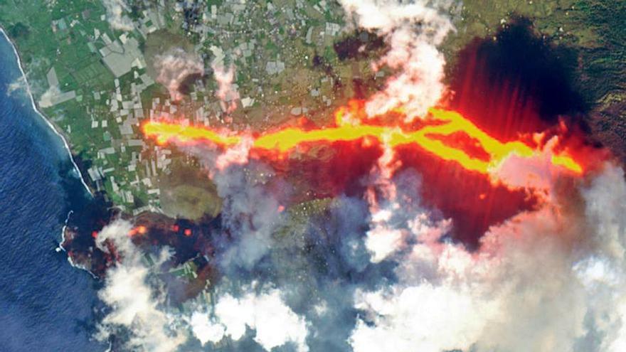 L'avanç de la lava del volcà genera més confinaments i apunta a un nou delta