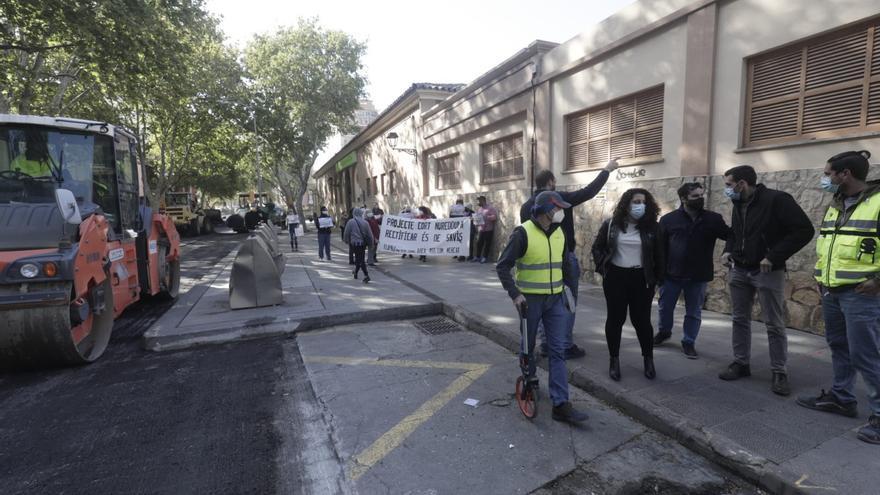 El asfaltado de Pere Garau comienza con protestas por Nuredduna