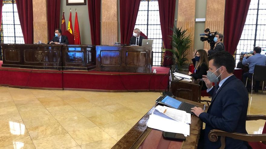 Ultimátum en el Ayuntamiento de Murcia para exigir el cese de Felipe Coello