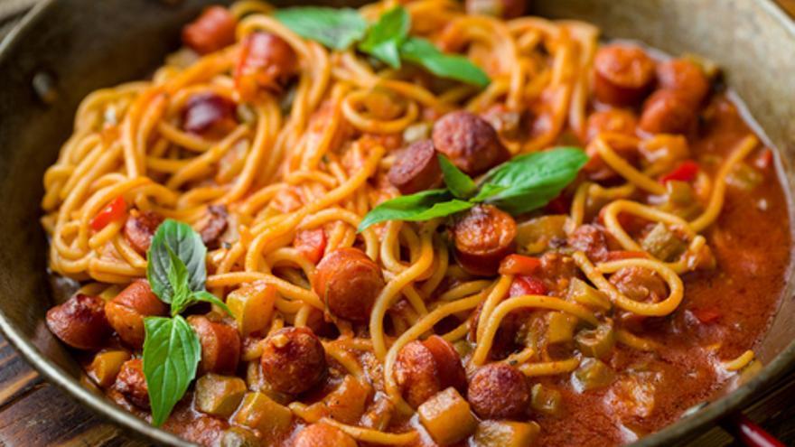 Espaguetis con chorizo
