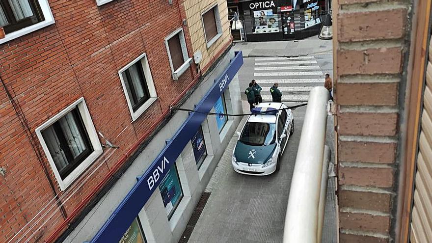 Falsa alarma en un banco de Pola de Laviana