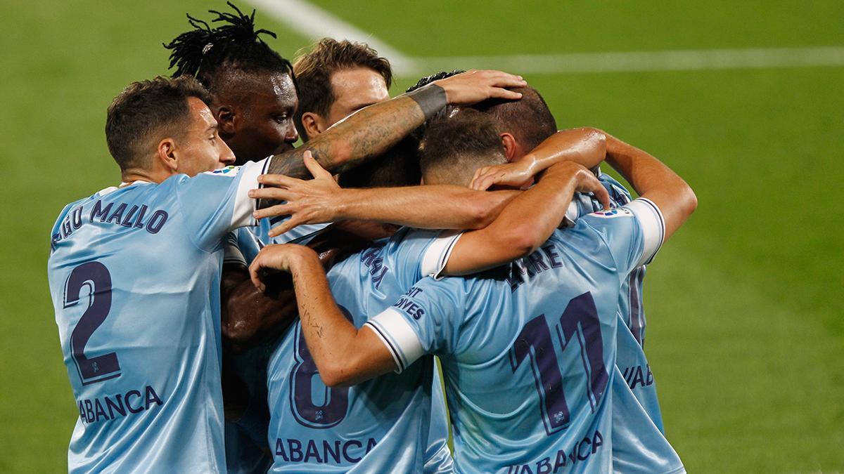 Los jugadores del Celta celebran un gol con Iago Aspas en Canarias